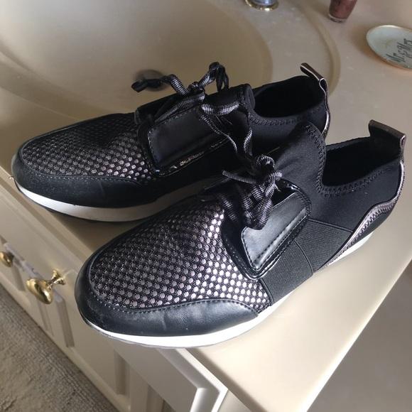 A New Day Size 7 Tennis Shoe Eucworn X